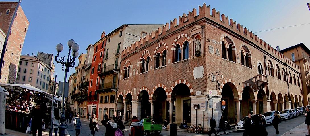 Domus Mercatorum - Monumenti di Verona